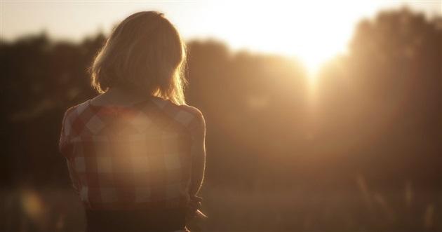 42399-woman-field-sunset-1200.630w.tn